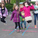 Sprüh-Aktivisten im Schulhof